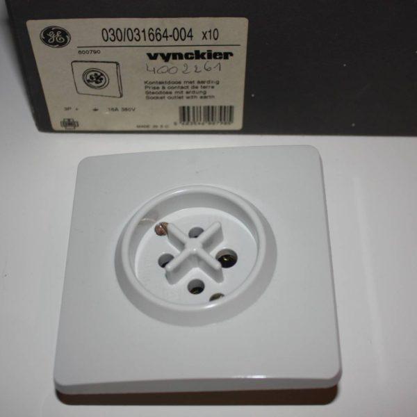 Vynckier contactdoos met aarding 3P 16A 380V -0