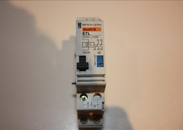 Merlin Gerin teleruptor uitbreiding - spoel 230 V 50/60Hz - 1 NO + 1 NO/NC 16A -0