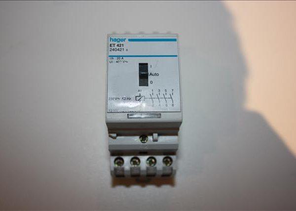 Hager relaisschakelaar 4polig 230V 20A 13kW-0