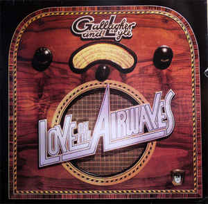 Gallagher & Lyle – Love On The Airwaves-0