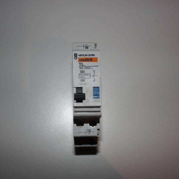 Merlin Gerin impulsschakelaar 1xNO 16A 250V, 240V AC of 110V DC-0